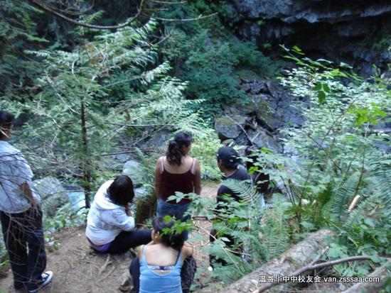 Lynn Canyon 公园目击跳崖